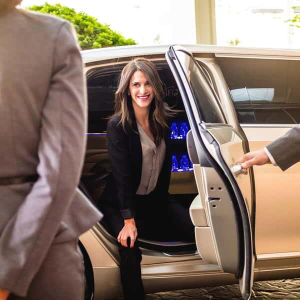 aria-amenities-transportation-limo-open
