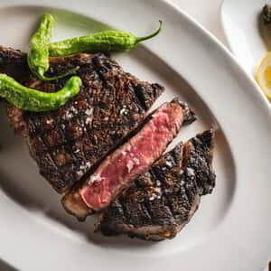 World-renowned Chef Jean-Georges Vongerichten, with his highly decorated repertoire of culinary achievements, pushes the boundaries of traditional steakhouse and Las Vegas restaurant expectations with his decidedly contemporary rewrite, Jean Georges Steakhouse.