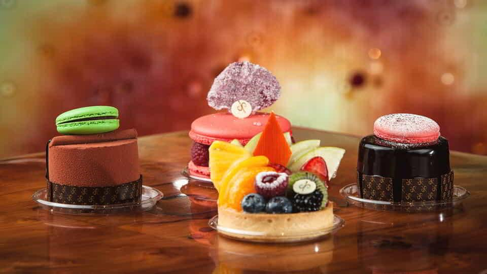 aria-dining-jean-philippe-mini-desserts-with-tart