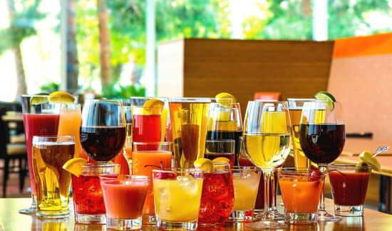 aria-dining-buffet-bottomless-beverages.tif.image.550.325.high