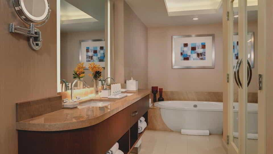 aria-hotel-corner-suite-bathroom