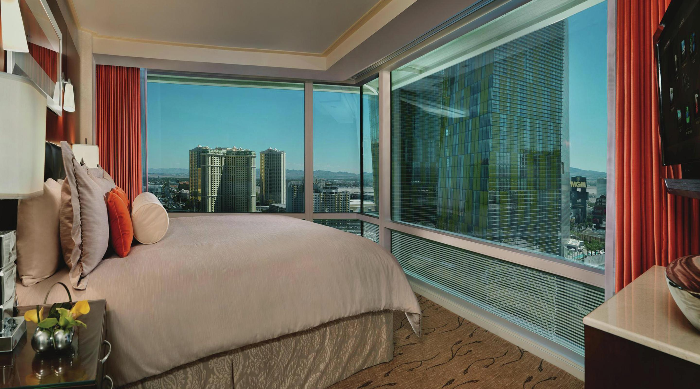 Averaging 920 square feet, our Corner Suite has it all. ARIA graces guests with separate, yet equally sophisticated, living and bedroom spaces, each with its own unique, awe-inspiring views of both the mountainous horizon or The Strip.