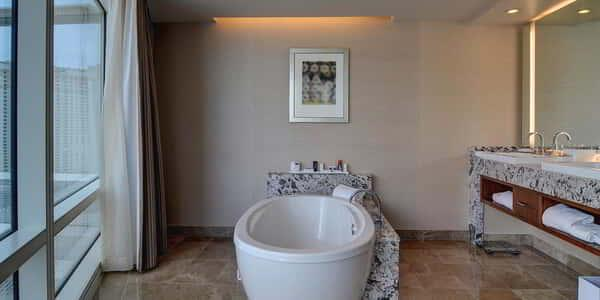 aria-hotel-crystals-suite-bathroom