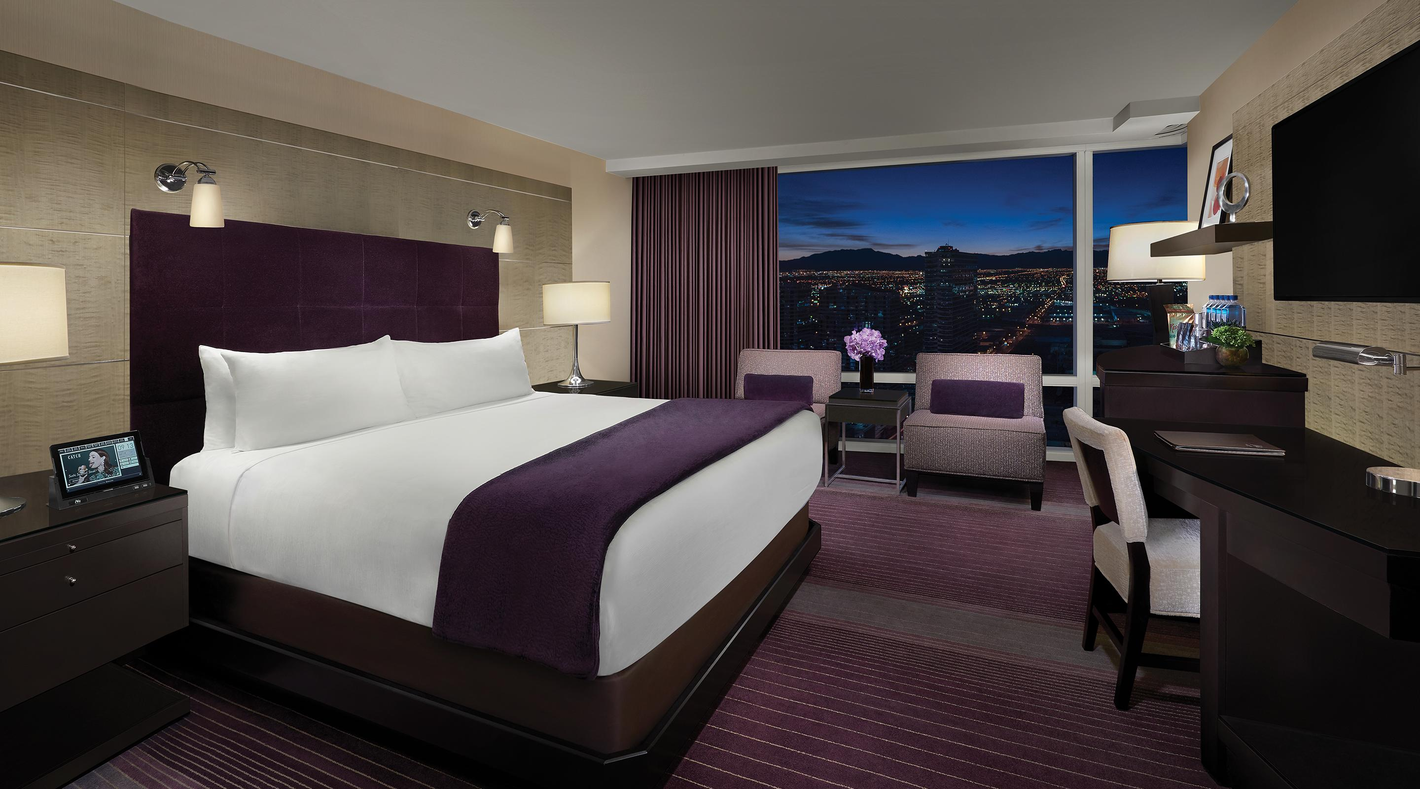 King bed deluxe room mountain view at Aria.