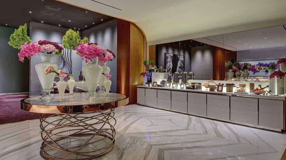 aria-hotel-tower-suites-lounge-snacks-floral