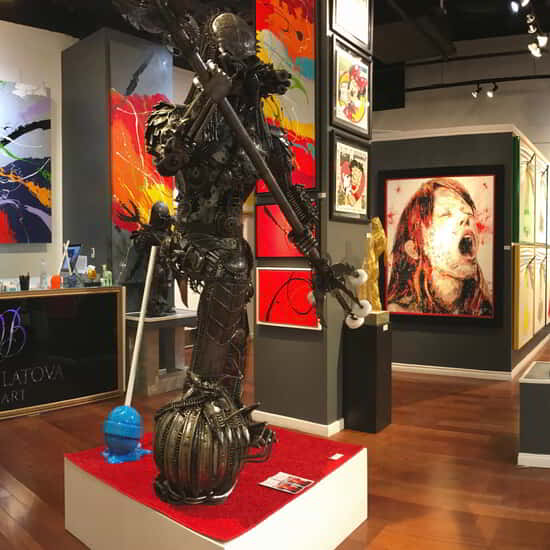 Elena Bulatova Fine Art at Gallery Row in Aria is an extravagant venue presenting artwork of world-famous artists Elena Bulatova, Efraim Mashiah and others featuring paintings and sculptures.