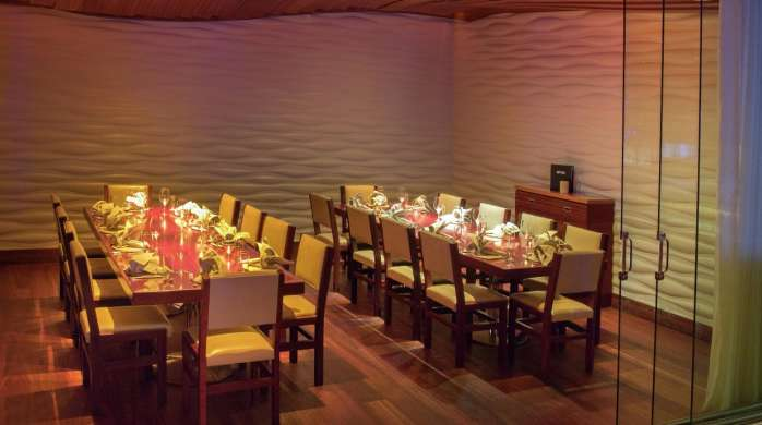 A spacious group dining is available for your party at FIX.