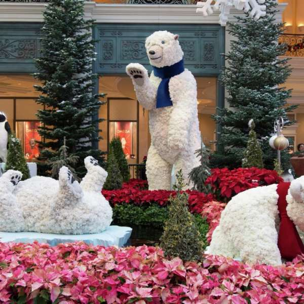 The Bellagio Conservatory has turned into Bellagio Central Station for the Holidays.