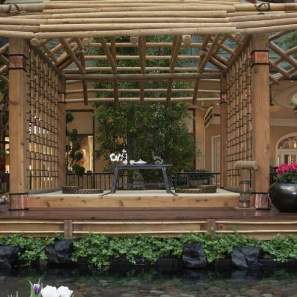 Bellagio's conservatory is now live with Japanese Spring inspired displays.