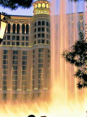 bellagio-fountains-silhouette