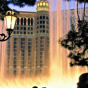 bellagio-fountains-silhouette.tif.image.300.300.high