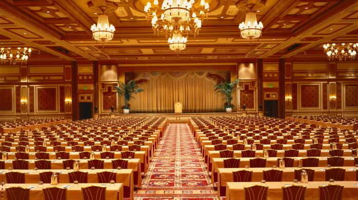With 22,000 square feet of AAA Five Diamond Award-winning space, the Bellagio Ballroom lives up to its namesake.