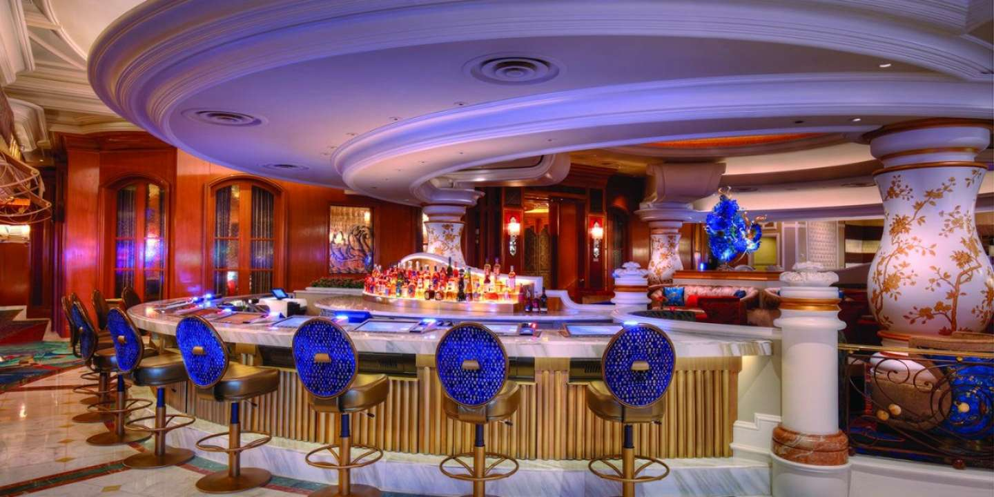 An image of Baccarat Bar with seating at Bellagio.