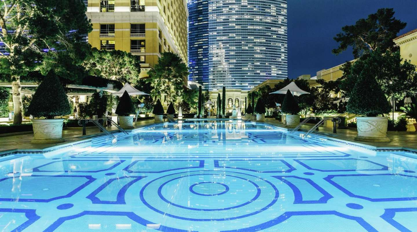 The pools at Bellagio have a special romantic ambiance at night.