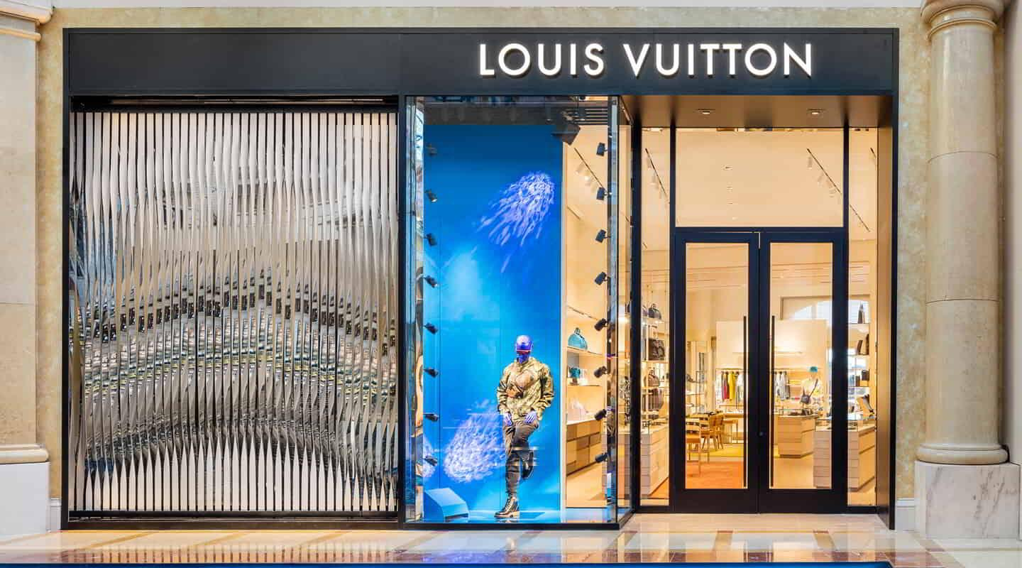 This the entrance to the Bellagio Louis Vuitton Men's store