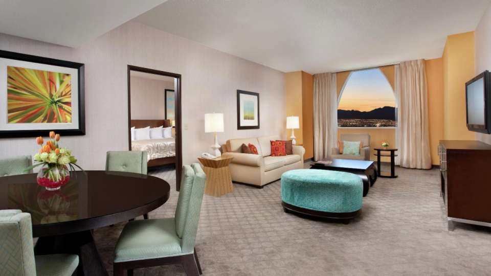 From one-bedroom to multiple levels, whirlpool suites to parlor suites, Circus Circus has beautifully appointed accommodations for those who seek an upgraded experience.