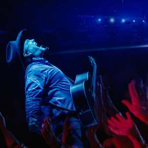 garth_brooks_2880x1800.jpg.image.300.300.high