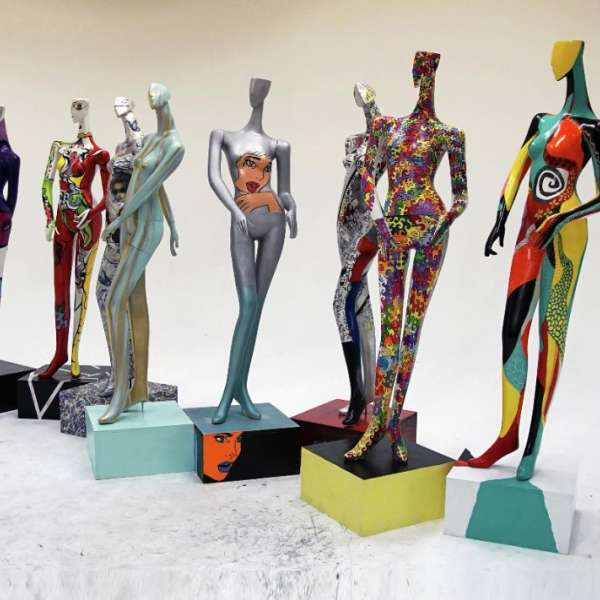 artLIVE! brings fashion and art together in a unique showcase to benefit the Las Vegas Fashion Council and the Las Vegas arts community.  The mannequins featured in the lobby of Delano Las Vegas will be auctioned off at artLIVE! 2017