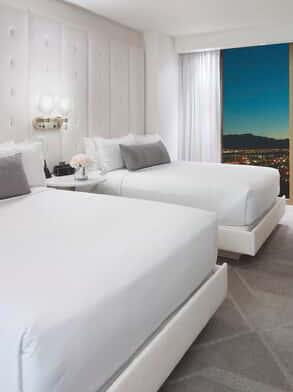delano-las-vegas-hotel-room-delano-queen-suite-bedroom-day