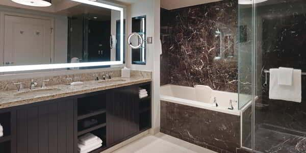 delano-las-vegas-hotel-room-delano-suite-bathroom