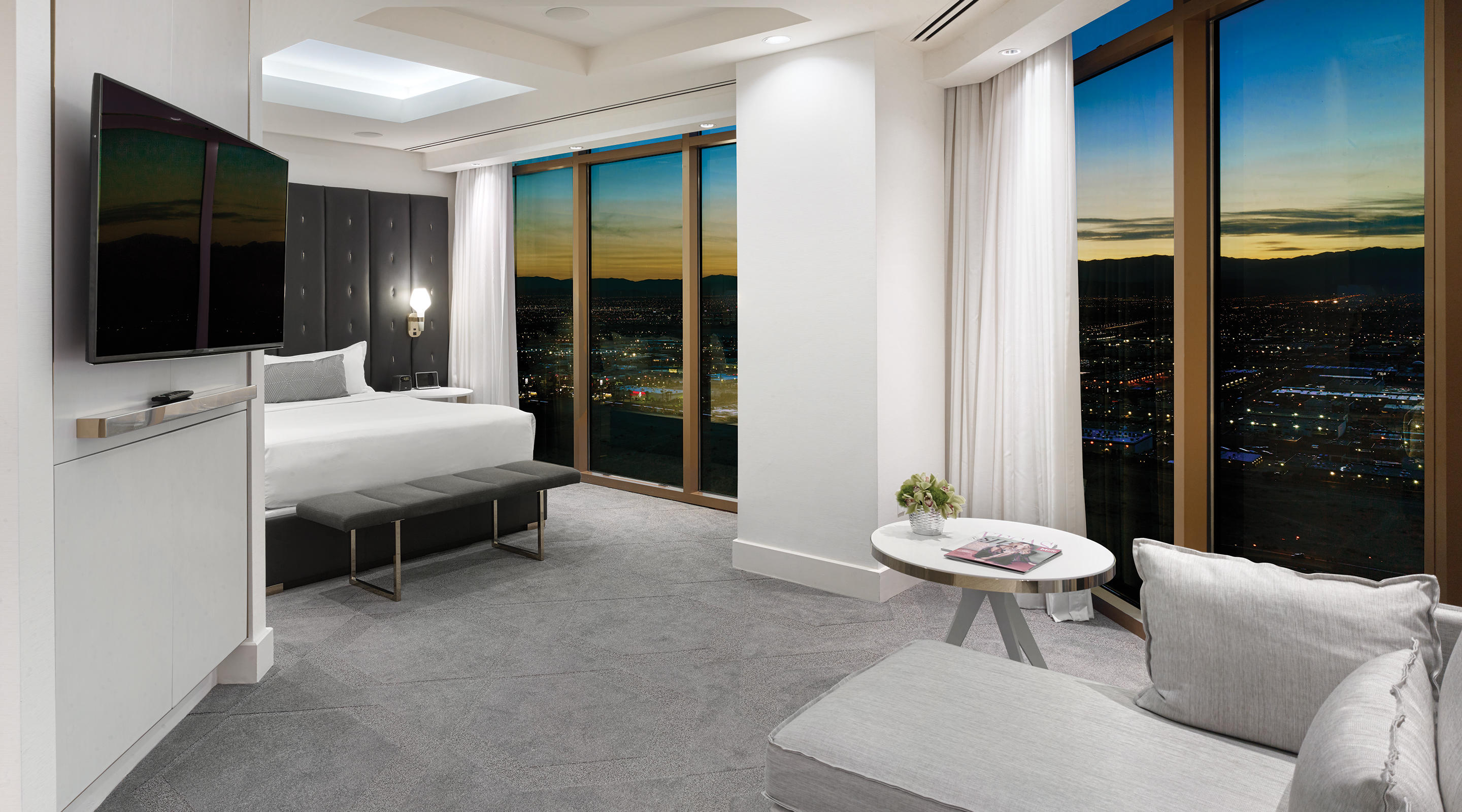 Delano Las Vegas Penthouse Panoramic View Bedroom