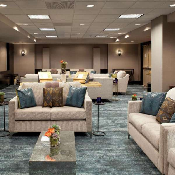 Create a relaxed business atmosphere or an ideal social setting at Delano Las Vegas.