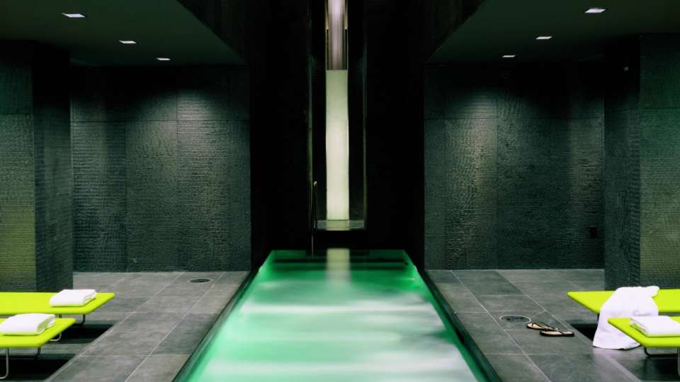 Image of Bathhouse Spa pool.