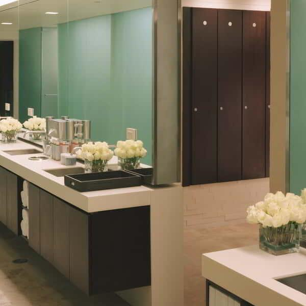 delano-las-vegas-spa-and-gym-bathhouse-spa-womens-locker-room