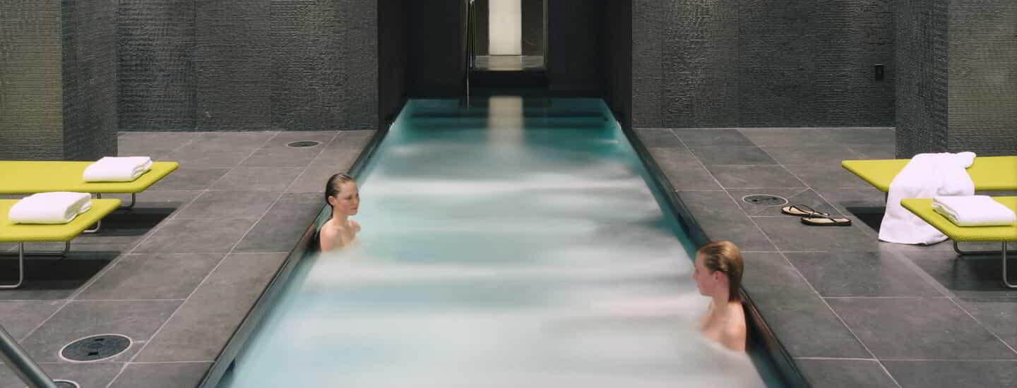 delano-las-vegas-spa-and-gym-womens-pool