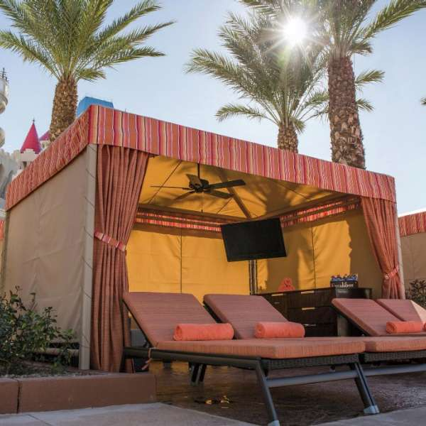 excalibur-amenities-pool-cabana1