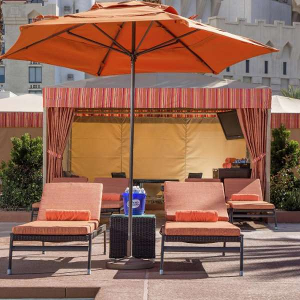 excalibur-amenities-pool-cabanas-wide-detail