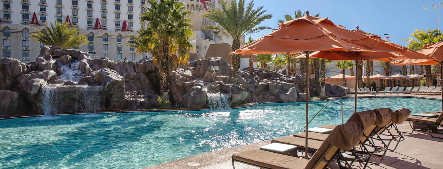 excalibur-amenities-pool-slide-pool-waterfall-alternate