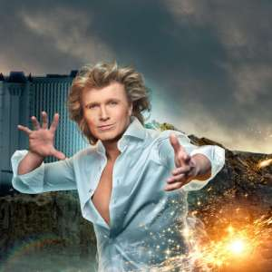 Hans Klok: The World's Fastest Magician.