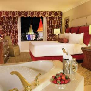excalibur-hotel-royal-luxury-suite-bedroom.tif.image.300.300.high