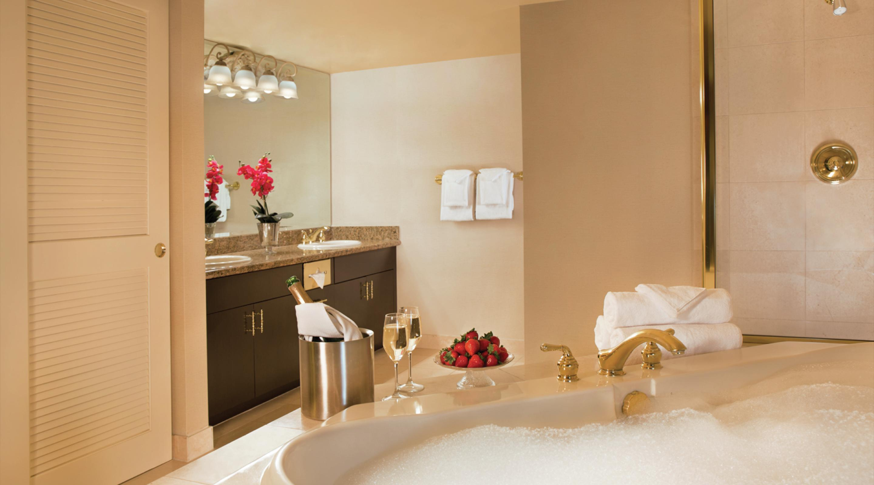 This is an image of the Royal Luxury Suite Bathroom & Soaking Tub.