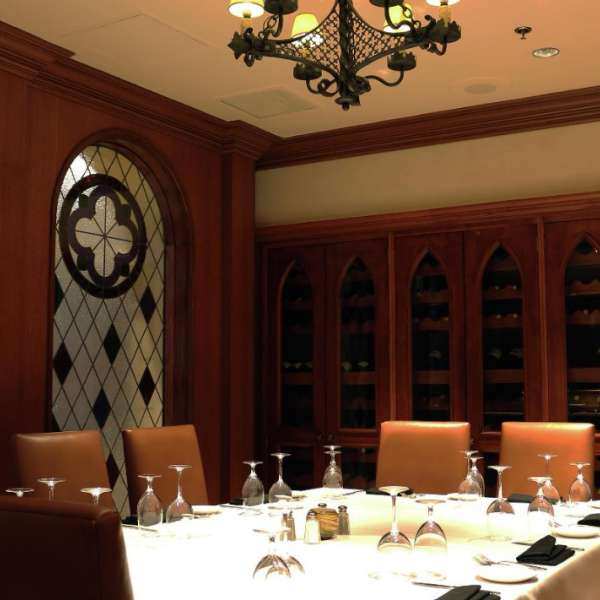 Small private meeting room or dining for meetings inside Camelot.