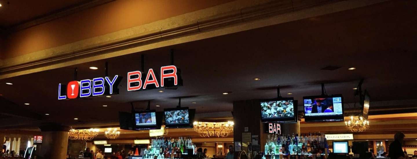 excalibur-nightlife-lobby-bar-overview