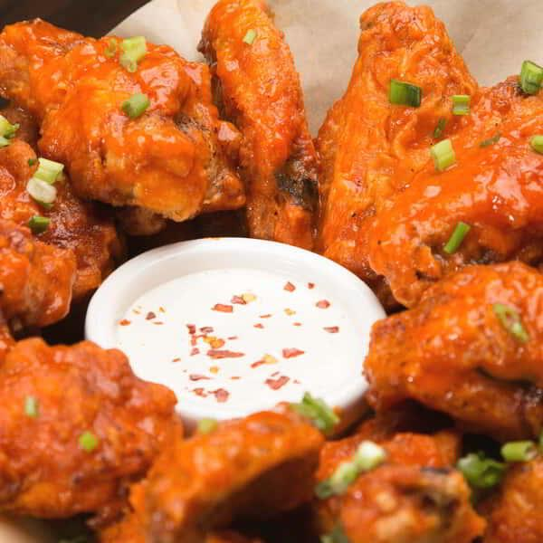 luxor-dining-restaurant-public-house-basket-wings-2