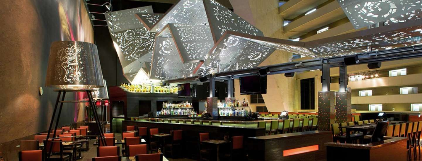 luxor-dining-restaurant-tacos-tequila-interior-bar-area
