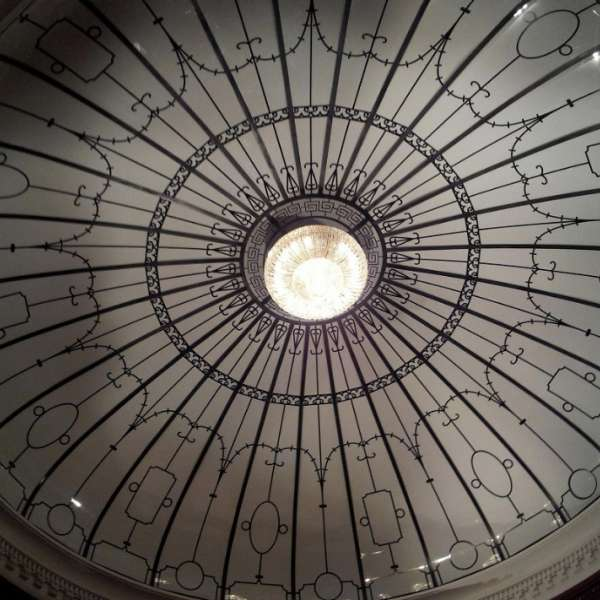 luxor-entertainment-attractions-titanic-ceiling-light