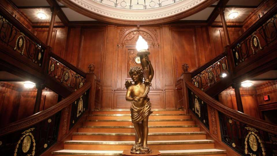 luxor-entertainment-attractions-titanic-grand-staircase