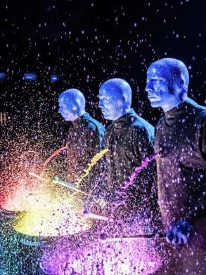 luxor-entertainment-shows-blue-man-group-paint-splatter-drums-side-view