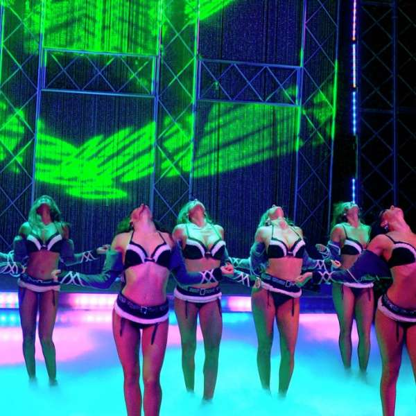 luxor-entertainment-shows-fantasy-group-stage-fog