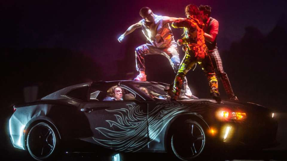 Fight on top of a car in R.U.N produced by Cirque du Soleil.