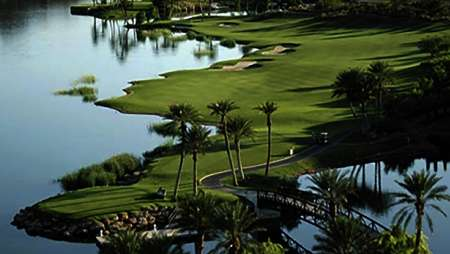Enjoy Luxor amenities such as golfing at Reflection Bay Golf Course.