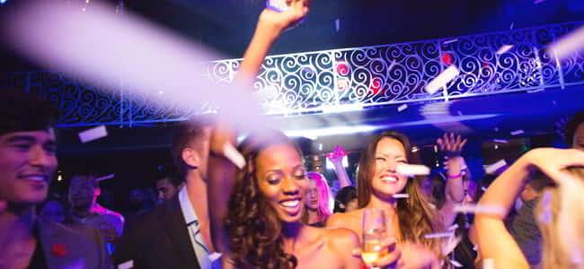 luxor-nightlife-lax-nightclub-girl-on-the-dance-floor-girl.tif.image.650.300.high