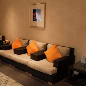 luxor-hotel-spa-lounge-area