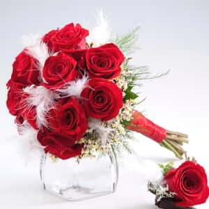 luxor-wedding-chapel-floral-red-rose-white-feathers