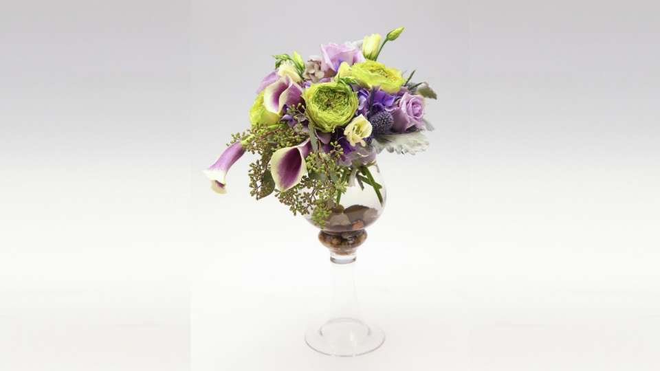 Choose from a variety of centerpiece options, from different colors to different styles.