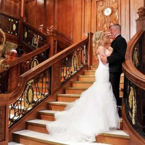 luxor-wedding-chapel-titanic-grand-staircase-couple